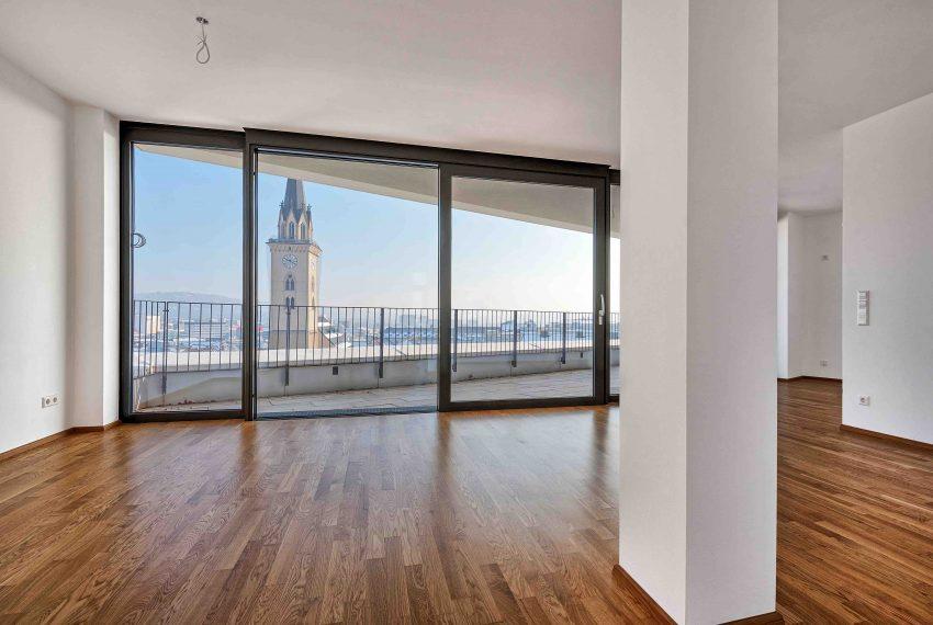 atemberaubendes 3 zimmer penthaus nageler immobilien. Black Bedroom Furniture Sets. Home Design Ideas